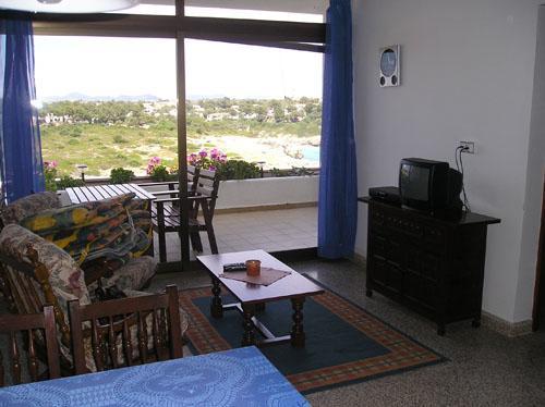 mallorca appartment direkt am meer. Black Bedroom Furniture Sets. Home Design Ideas